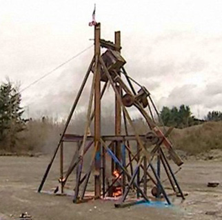 T-Wrecks trebuchet hurling flaming piano